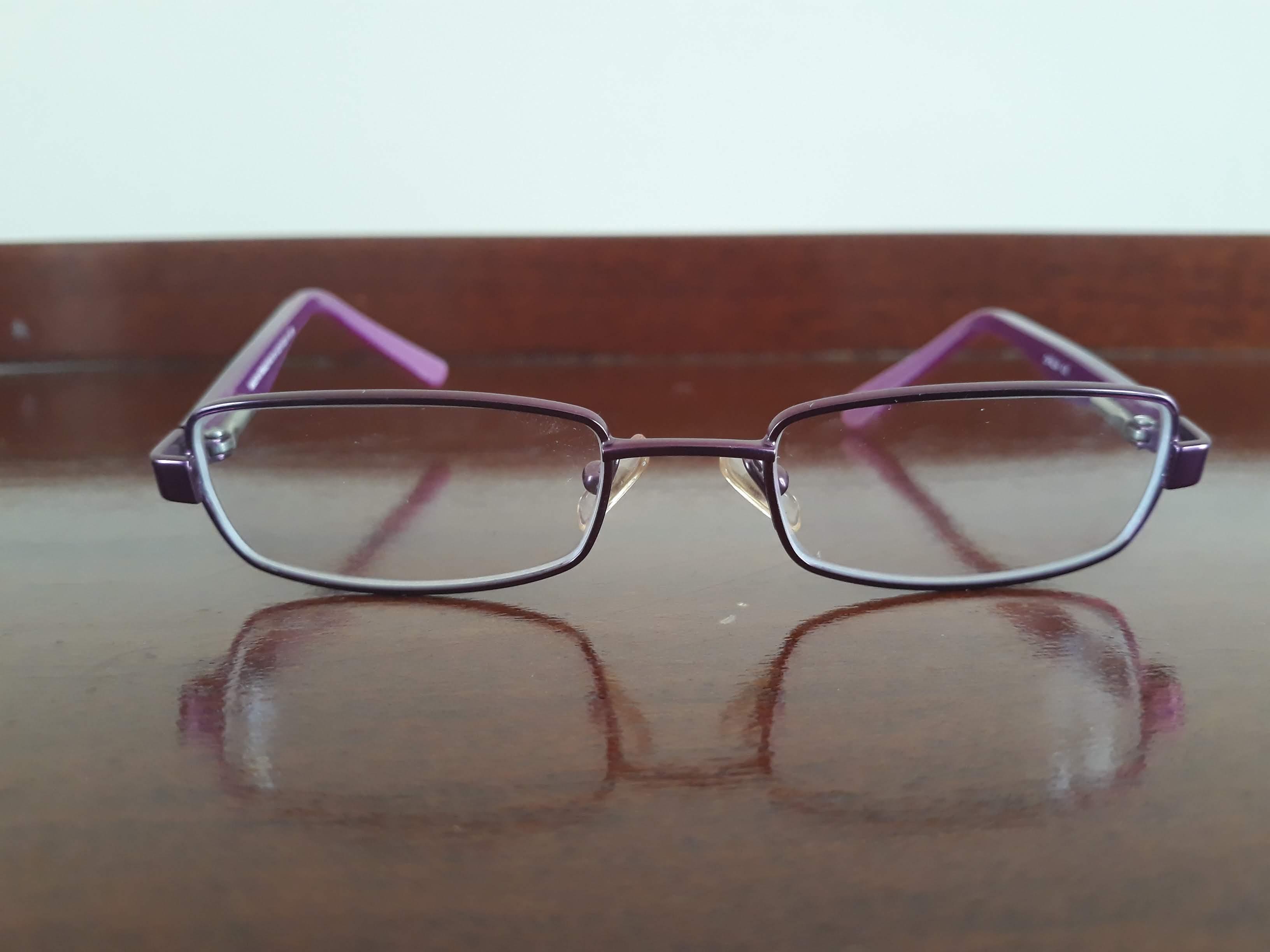 Jolie paire de lunettes de vue